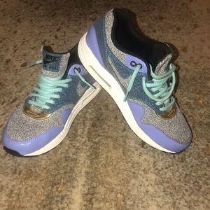 Women's Sz 8.5 Nike Air Max